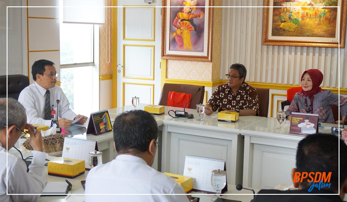 Kunjungan Kerja Implementasi Teknologi Informasi Tentang Sistem Informasi Kearsipan Dinamis (SIKD) Di Mahkamah Konstitusi