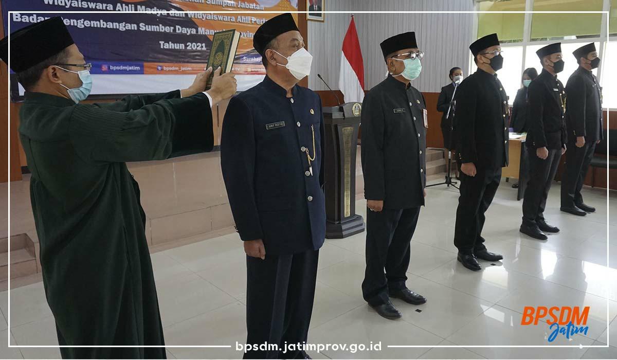 Pelantikan dan Pengambilan Sumpah Jabatan Fungsional Widyaiswara di Lingkungan BPSDM Prov Jatim